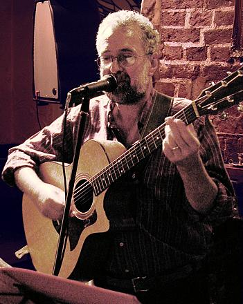 Andy Franks performing at the Swan